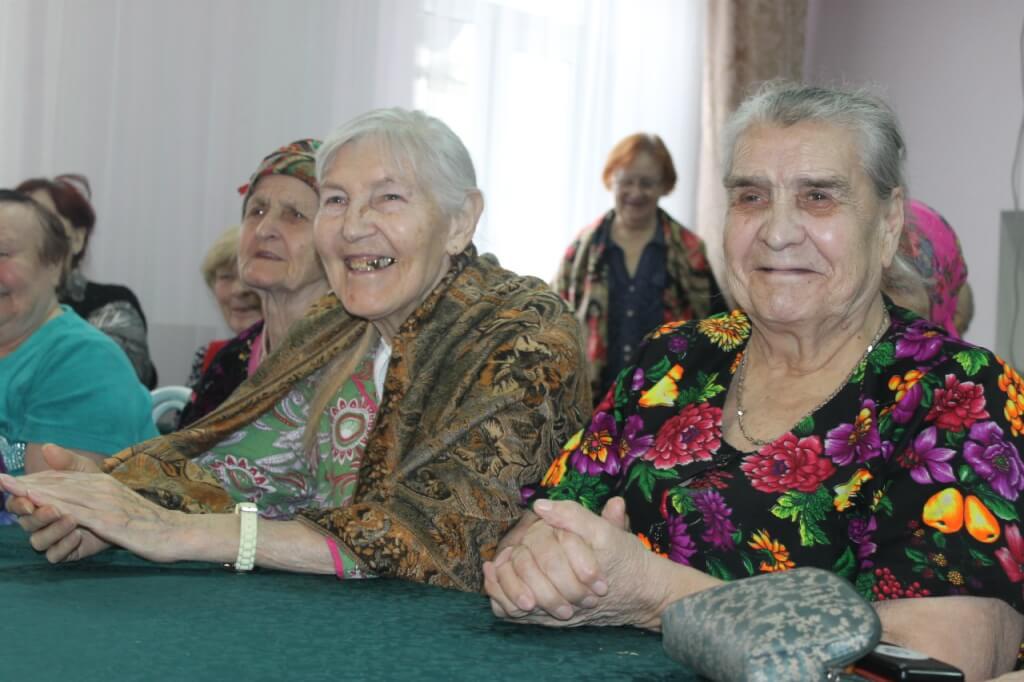 Заставка для - Ежемесячно: Старость в радость